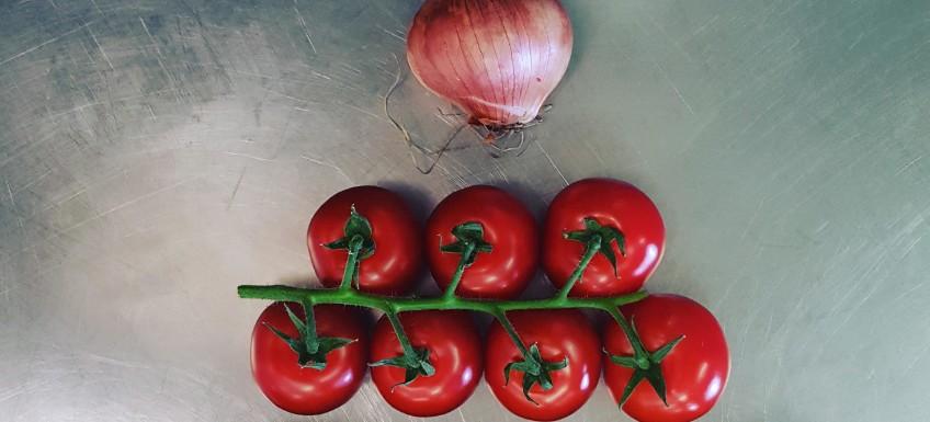 Komkommer - tomaat salade